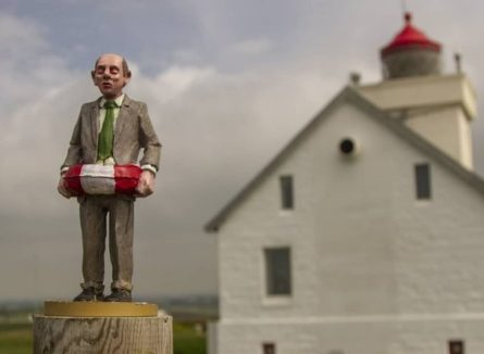 Art Piece Of The Day por Isaac Cordal